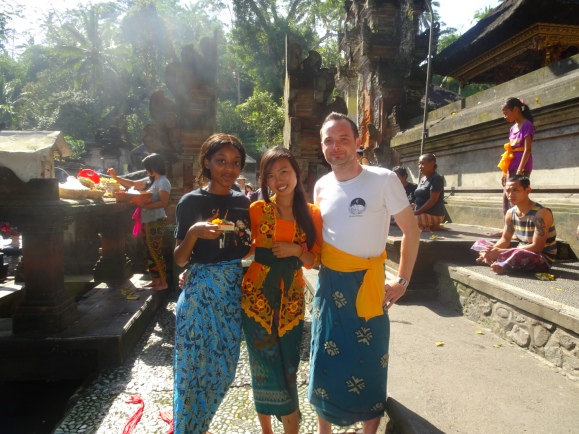 Tirta Empul with Dwik (Green Lion Orientation Coordinator) and Thomas (fellow IVHQ volunteer)